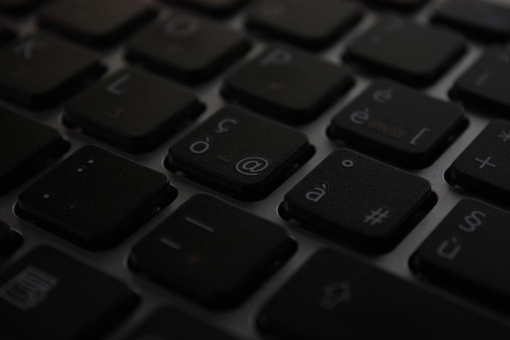 Międzynarodowe aspekty wykorzystania dywidendy cyfrowej. Nieznane piętno Układu Warszawskiego