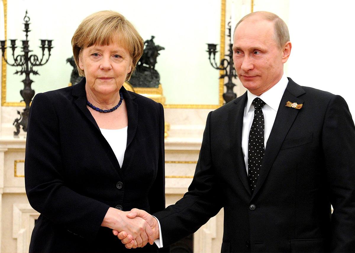 Podsumowanie Dnia: Co wyniknie zespotkania Merkel-Putin? – Komentarz Łukasza Polinceusza dla PR24