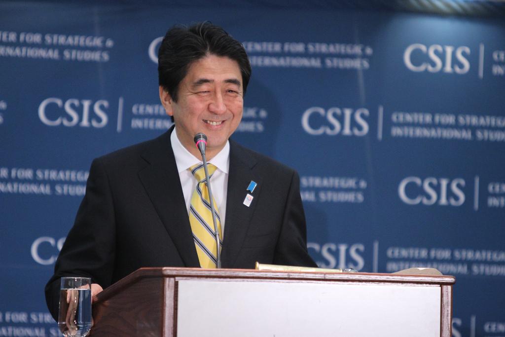 KOMENTARZ PUŁASKIEGO – T. SMURA: Rezygnacja premiera Shinzo Abe – koniec stabilności politycznej wJaponii?